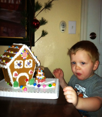 Why you shouldn't decorate gingerbread houses before meals